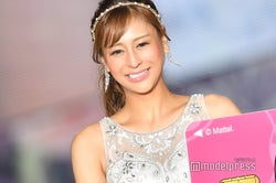 「小悪魔ageha」初代女王・桜井野の花、ミニスカドレスで輝く美貌<関コレ2018A/W>