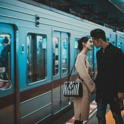 思わずキスしました♡彼の理性がぶっ飛ぶ女性の「無防備しぐさ」4選