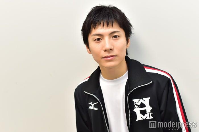 モデルプレスのインタビューに応じた宮崎秋人 (C)モデルプレス