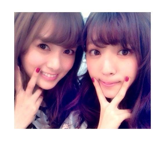 (左から)白石麻衣、鈴木愛理/℃-uteオフィシャルブログ(Ameba)より
