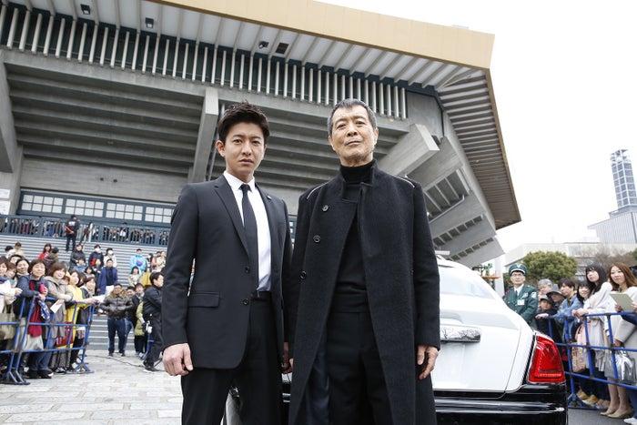 (左から)木村拓哉、矢沢永吉(C)テレビ朝日