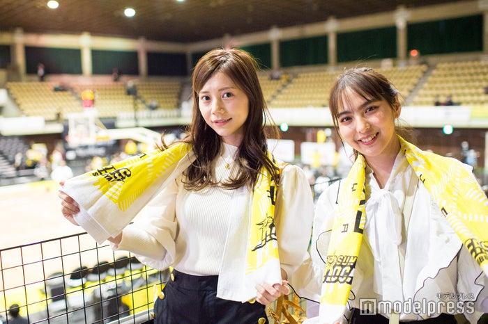 (左から)今井美桜さん、山口厚子さん(※1)  (C)モデルプレス