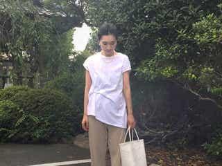 定番の白Tシャツだから知りたい! コーデが失敗しない「バッグ選び」って?