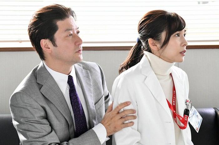 浅野忠信、竹内結子「A LIFE~愛しき人~」第1話より(C)TBS