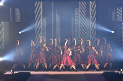 欅坂46「ガルアワ」初の大トリ 迫力のパフォーマンスに会場熱狂<GirlsAward 2018 A/W>