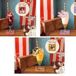 <ジェシー>ざくろウォーター 890円、<バターカップ>ヨーグルトスムージー マンゴー風味 890円、<スリンキー>ヨーグルトスムージー オレンジ風味 890円(C)Disney/Pixar(C)POOF-Slinky,LLC
