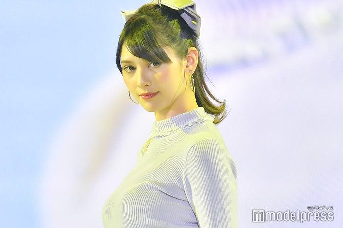 「神戸コレクション2018 AUTUMN/WINTER」に出演したアンジェラ芽衣(C)モデルプレス