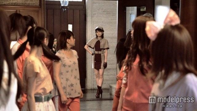 前田敦子/新CM「AKB48 殺人事件FILE‐1」篇より
