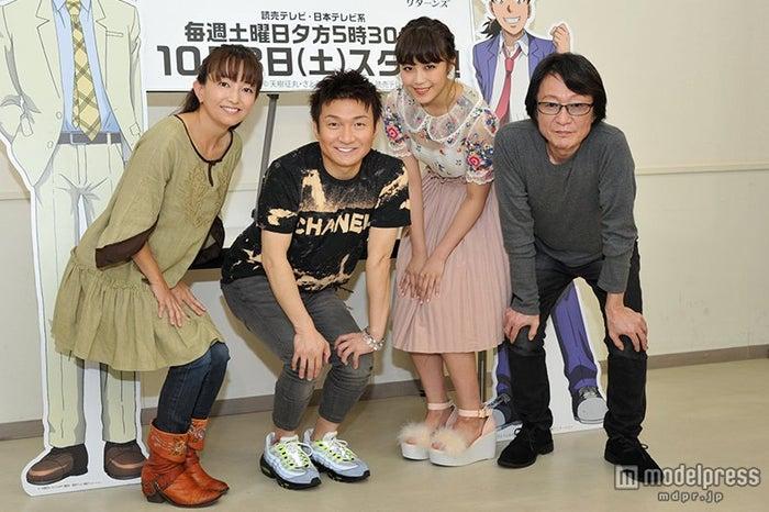 (左から)中川亜紀子、松野太紀、鷲尾伶菜、小杉十郎太
