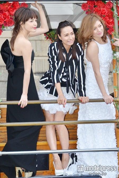 (左から)梨花、佐田真由美、岩堀せり