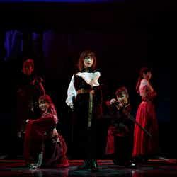 (C)舞台「七色いんこ」製作委員会