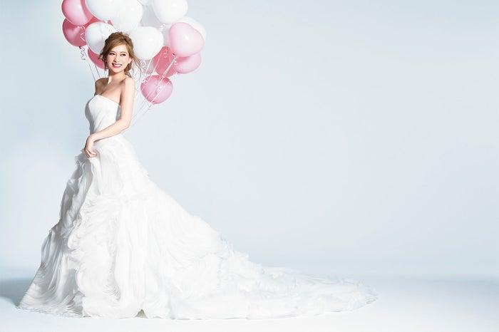 結婚を発表した加賀美早紀/画像提供・主婦の友社