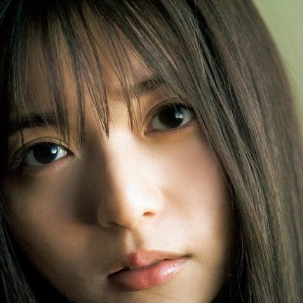 齋藤飛鳥、自然体でも圧倒的美貌「ヤンジャン」丸ごと一冊乃木坂46