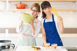 """小倉優子、ギャル曽根を叱る? """"ママ友""""プライベートを明かす"""
