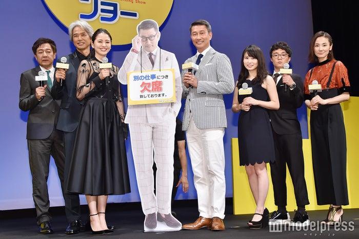 (左から)君塚良一監督、時任三郎、長澤まさみ、中井貴一、志田未来、濱田岳、吉田羊(C)モデルプレス
