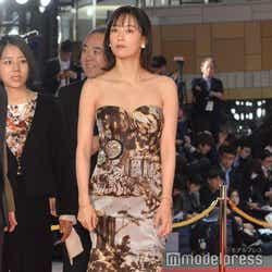 「第32回東京国際映画祭(TIFF)」オープニングイベントのレッドカーペットに登場した水川あさみ(C)モデルプレス