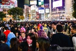 渋谷駅前は仮装集団でパニック状態 (C)モデルプレス