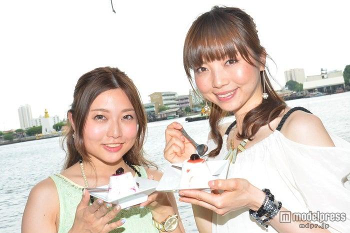 「Blueberry Yogurt Ice Cream」/モデル:百々さおり、富田千穂