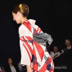 美しいうなじを披露した坂東希 (C)モデルプレス