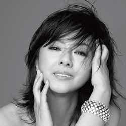 モデルプレス - 薬師丸ひろ子、初紅白で名曲に想い込める「目に見えない遠くまで」<紅白本番>