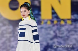 E-girls藤井夏恋、カラフルヘアに観客驚き<GirlsAward 2018 A/W>