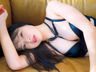 「ミスFLASH」吉澤玲菜、Eカップ美バストあらわ SEXYボンテージ&ランジェリー姿を披露