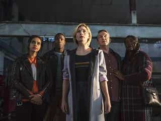 『ドクター・フー』主演ジョディ・ウィッテカーがシーズン13にも出演「まだドクター役にしがみついているから!」