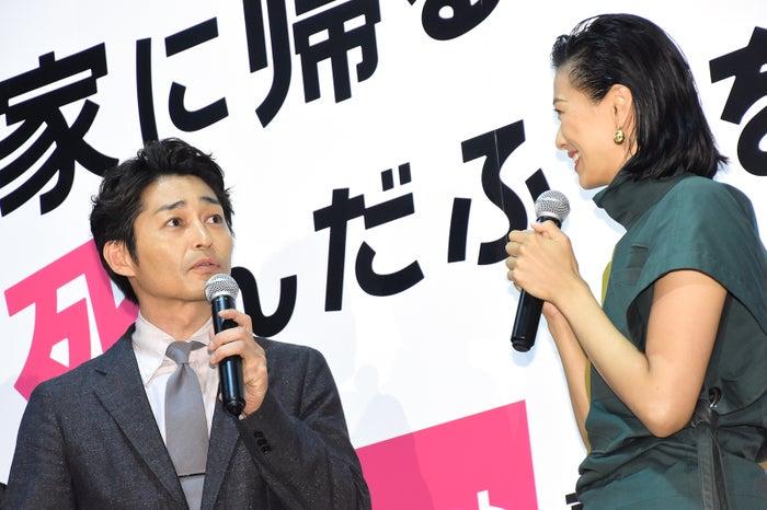 安田顕、榮倉奈々 (C)モデルプレス