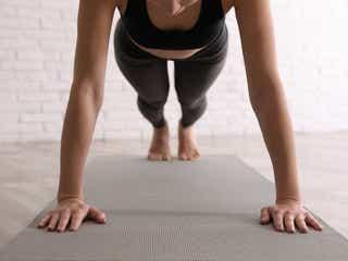 お腹&下半身に効く!おうちで簡単にできる3分トレーニング