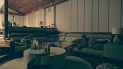 リビングで寝る男子メンバー「TERRACE HOUSE OPENING NEW DOORS」43rd WEEK(C)フジテレビ/イースト・エンタテインメント