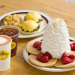 「エッグスンシングスコーヒー」兵庫に出店、パンケーキ&朝食向け軽食も