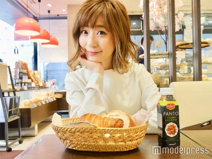 """パン好きOLに朗報!パンを楽しむために作られた""""パン専用""""の野菜スープで平日ランチに革命を(C)モデルプレス"""