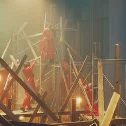 吉本坂46RED「君の唇を離さない」MVより(提供写真)