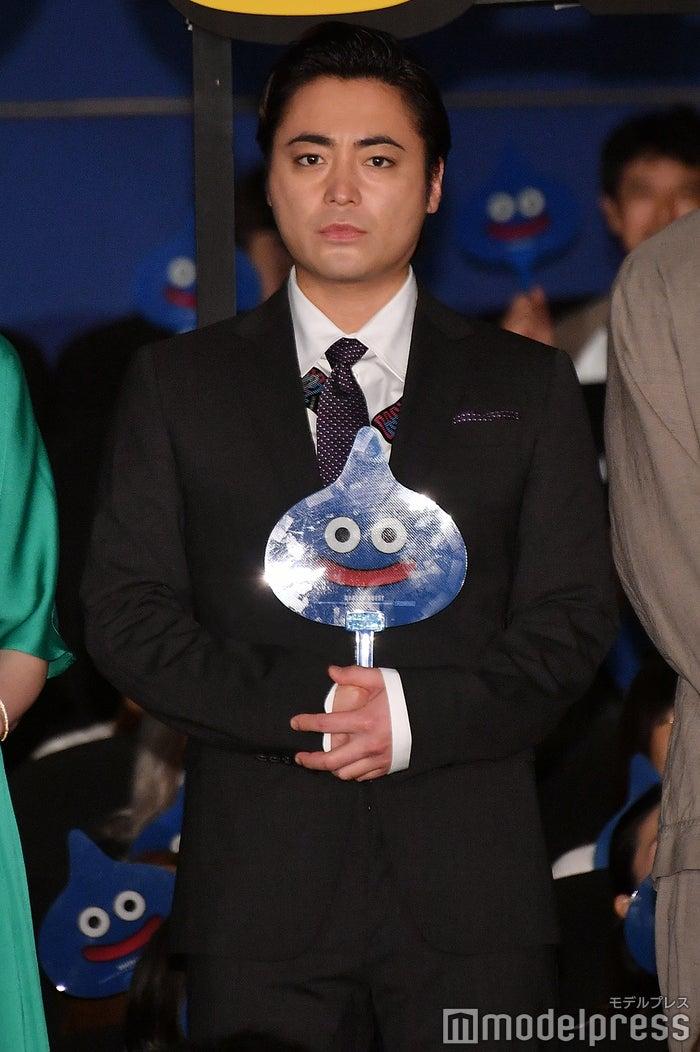 フォトセッション時の山田孝之(C)モデルプレス
