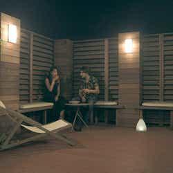 春花、ジュゼッペ「TERRACE HOUSE TOKYO 2019-2020」16th WEEK(C)フジテレビ/イースト・エンタテインメント