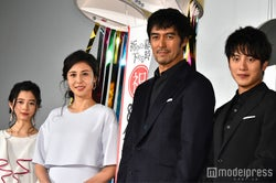 桜田ひより、松嶋菜々子、阿部寛、溝端淳平 (C)モデルプレス