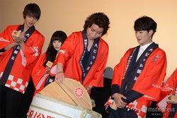 (左より)窪田正孝、志田未来、藤原竜也、岡田将生