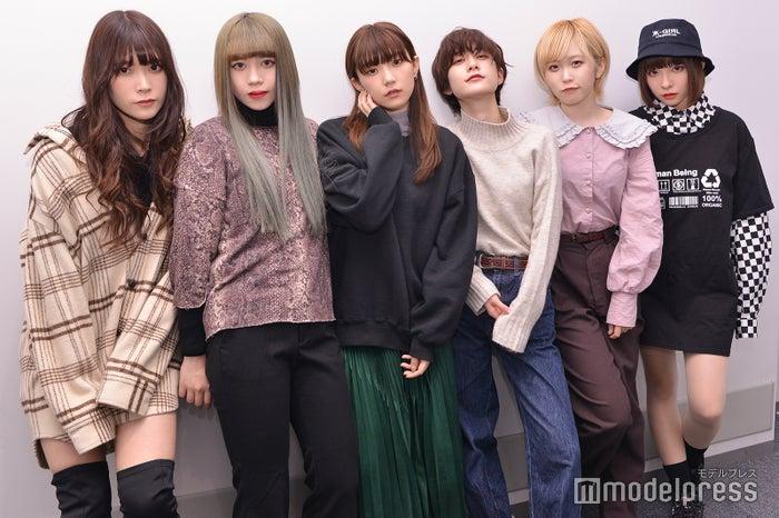 (左から)YU-Ki EMPiRE、MiDORiKO EMPiRE、MAHO EMPiRE、MiKiNA EMPiRE、MAYU EMPiRE、NOW EMPiRE(C)モデルプレス