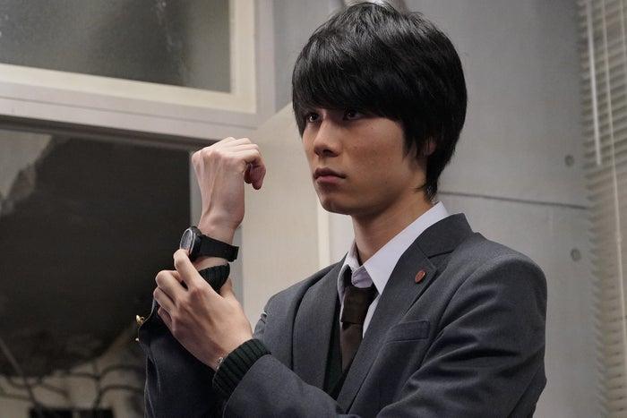 萩原利久「3年A組 ―今から皆さんは、人質です―」第5話より(C)日本テレビ