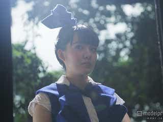 小島藤子、菊地凛子主演作で豪華ブランド衣装まとう 可憐な存在感を発揮