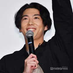モデルプレス - 「今日から俺は!!」映画化決定をサプライズ発表 主演・賀来賢人「楽しみにしていて」