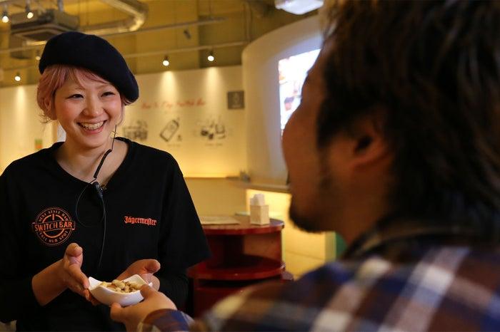 客同士が話すキッカケ作りや会話を盛り上げる『スイッチャー』/画像提供:トリックデザイン