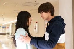 「僕の初恋をキミに捧ぐ」繭(桜井日奈子)が事故に…?逞(野村…