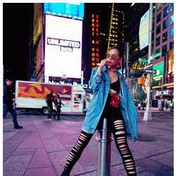モデルプレス - 西内まりや、NYで抜群スタイル際立つ「脚長い」「かっこいい」称賛の声