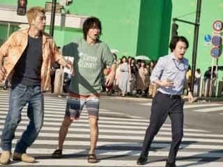 山崎賢人&土屋太鳳、5年ぶり共演に「お互い強くなった」<「今際の国のアリス」撮影現場レポート>