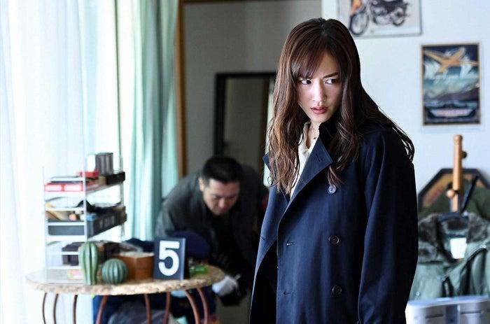 綾瀬はるか「天国と地獄 〜サイコな2人〜」第7話より(C)TBS