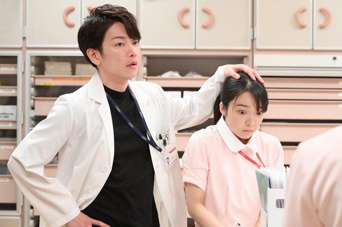 佐藤健、上白石萌音/「恋はつづくよどこまでも」第5話より(C)TBS