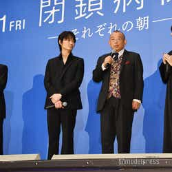 平山秀幸監督、綾野剛、笑福亭鶴瓶、小松菜奈、K (C)モデルプレス
