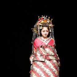 モデルプレス - みちょぱ、花魁姿で色気振りまく 豪華絢爛のステージで魅せる