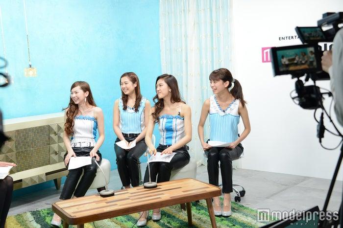 4K Girlsが「モデルプレスTV」生出演/左から:LORAINE、ERIKA、AYA、MAYUNA(C)モデルプレス